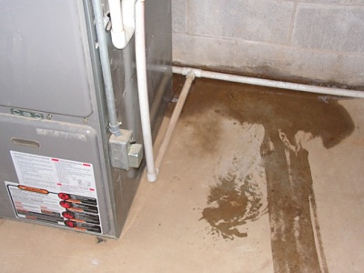 Reasons your furnace can leak water for Choosing a furnace